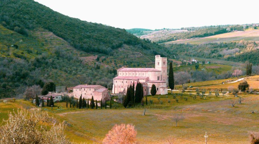 5- Contemplare l'Abbazia di Sant'Antimo